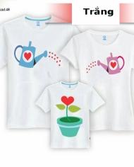 áo gia đình bình tưới và hoa